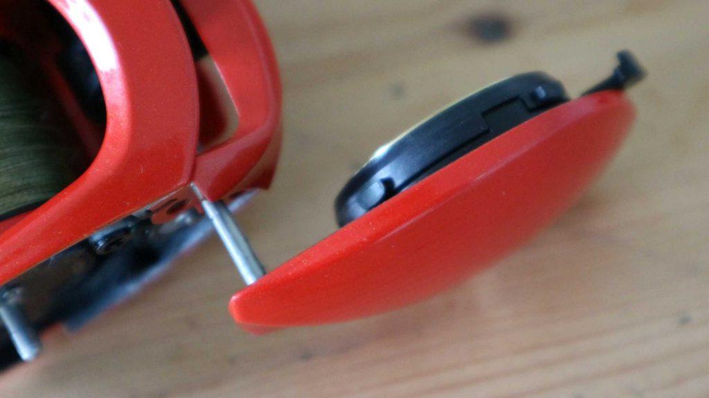 """Concept Z: Livrează sau nu Portocala mecanică? Capacul lateral """"beetle-wing""""."""